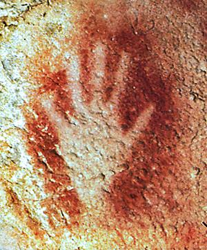 Main peinte dans la grotte du Pech Merle